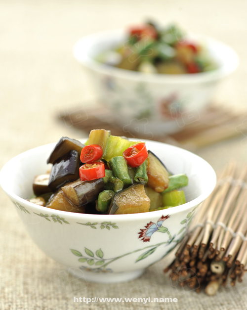 茄子青椒炒豇豆