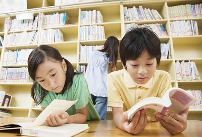 """中考高分生复读一年只为""""搏名校"""" 初四生活很疲惫"""