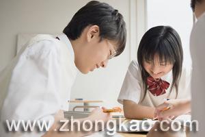 中考生通过初三期中考试合理定位自己