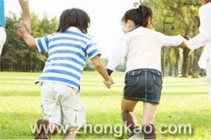 给孩子留点玩的空间 学习会更多收益