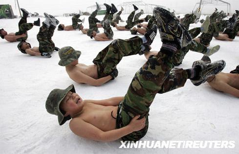 韩国孩子,雪地军训
