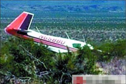 美国少年偷开飞机半空中差点遇难