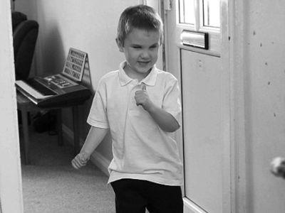 4岁盲童杰米・阿斯普兰