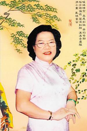 江月敬(时任深圳市社会福利中心主任,现已退休)