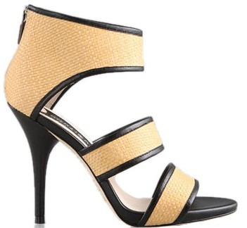 盘点 今夏最流行的 热辣 凉鞋 10