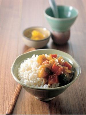 简单易学的健脾益胃食谱:柿饼蒸米饭(图)