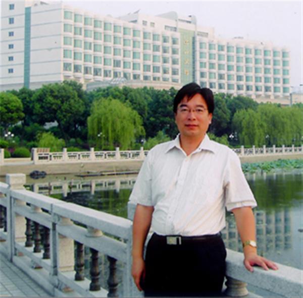 吴小平校长
