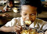 柬埔寨小学生的免费早餐