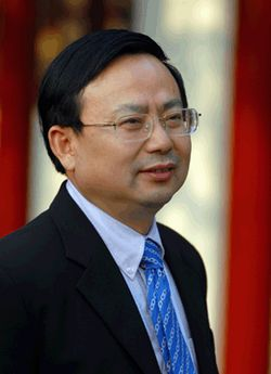苏州外国语学校校长――曹伦华