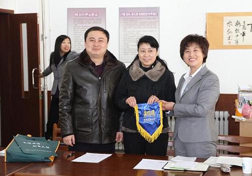大连格致中学和上海向明中学成为友好校