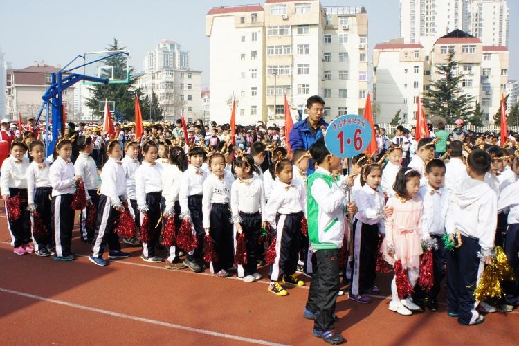 青岛新世纪学校2012年春季运动会剪影(2)