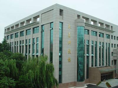 2009年辽宁省实验中学中考录取分数线公费729 择校724
