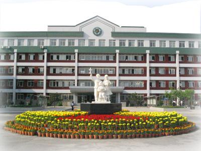 2010年沈阳市朝鲜族第一中学中考录取分数线公费702 择校509