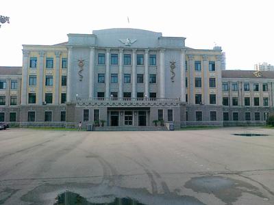 2010年沈阳市第二中学中考录取分数线公费721 择校719