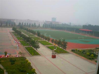 2010年沈阳市第八十三中学中考录取分数线公费688 择校642
