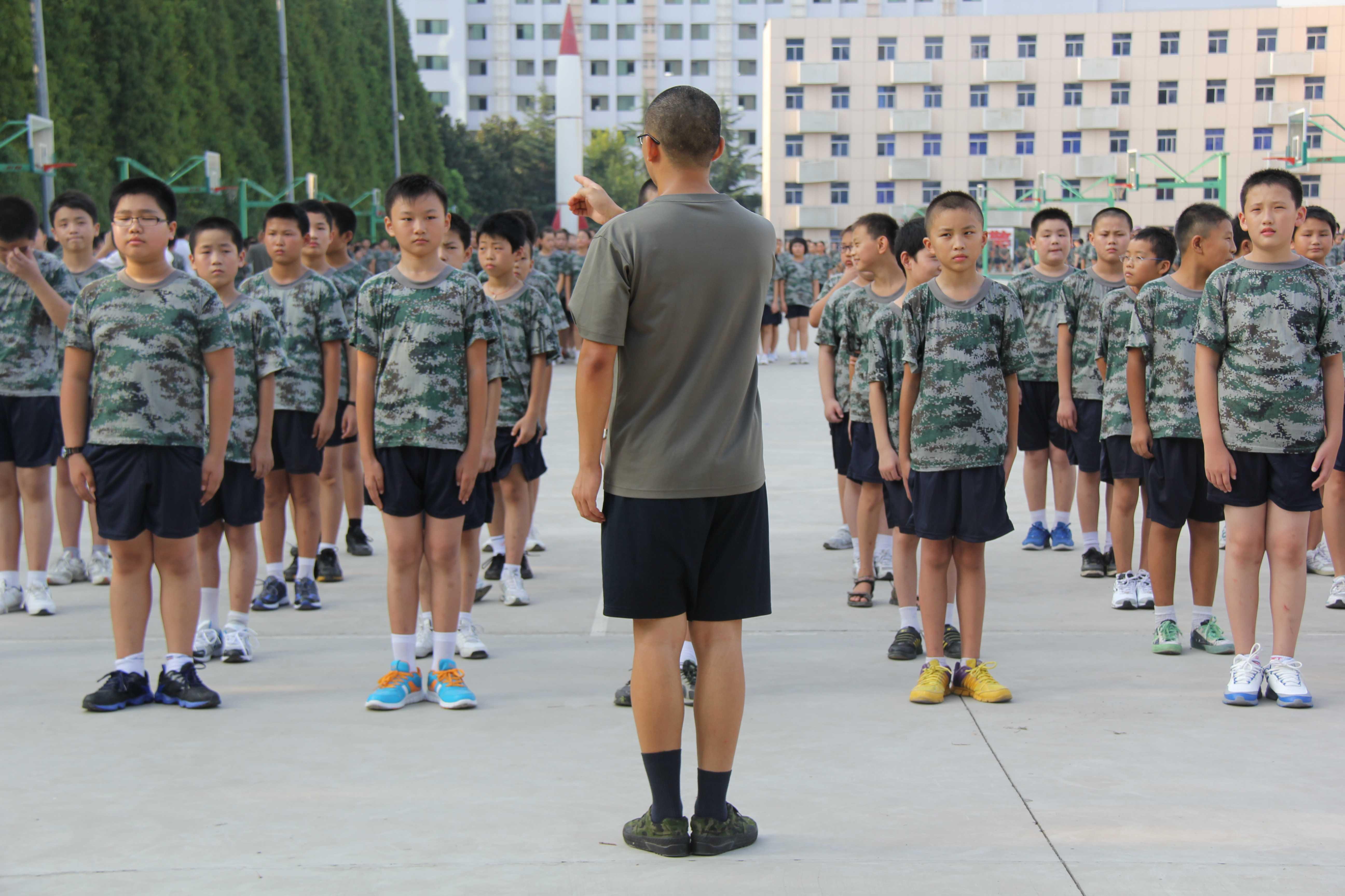 2012合肥西苑中学初一新生军训图片报道