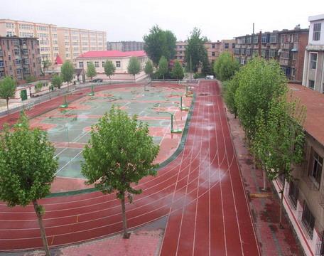 历城三中学校操场