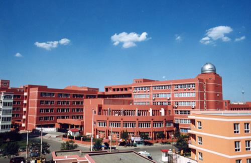 天津中学校园景色组图