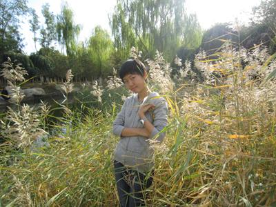 ��秀小作者:岳香江