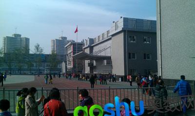 中关村中学雕像_家长分享:中关村中学4.14开放日见闻