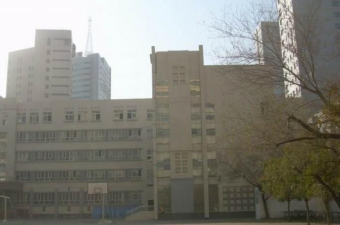 乌鲁木齐重点中学:乌鲁木齐第二中学