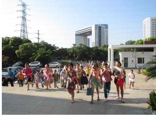 2013年河埒中学初一新生报道现场