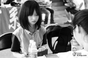 """南京大学""""最萌小师妹""""走红 似小学生引人怜"""