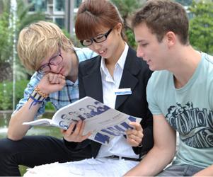 出国留学大军面孔越来越稚嫩 两成是中学生