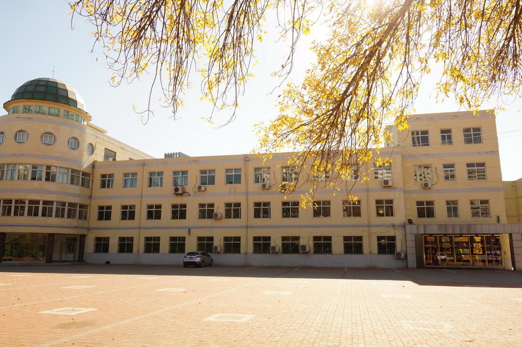 天津市第五十一中学