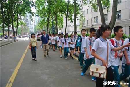 多图放送广州初中学校校服款式