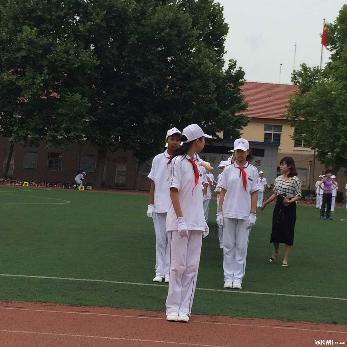 青岛超银2015小升初军训会操和拔河比赛