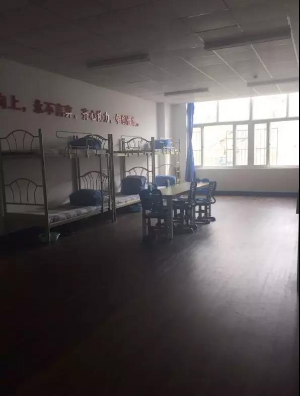 2018青岛超银中学宿舍实拍