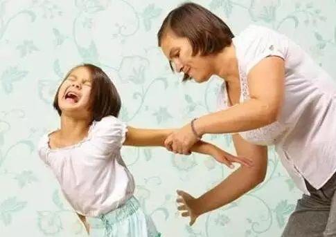 对哭闹任性的孩子我们应该这样做
